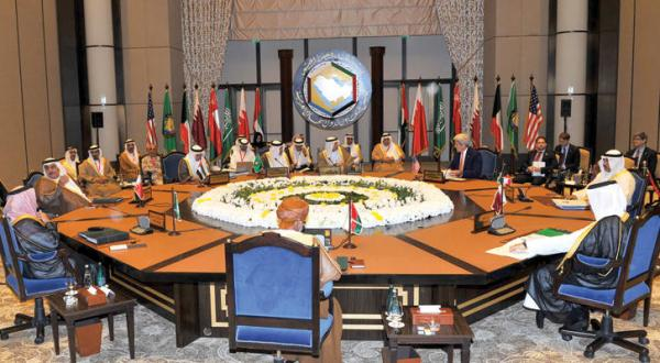 John-Kerry-and-Gulf-Foreign-Ministers-of-GCC-in-their-meeting-in-Manama-on-Thursday.jpg
