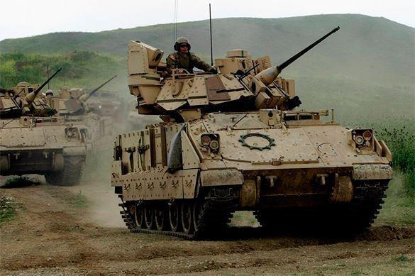 Les tanks américains M1A2 Abrams  sont arrivés de la Bulgarie au port géorgien de Poti par ferry avec les  véhicules de combat et d'infanterie M1A2 Bradley